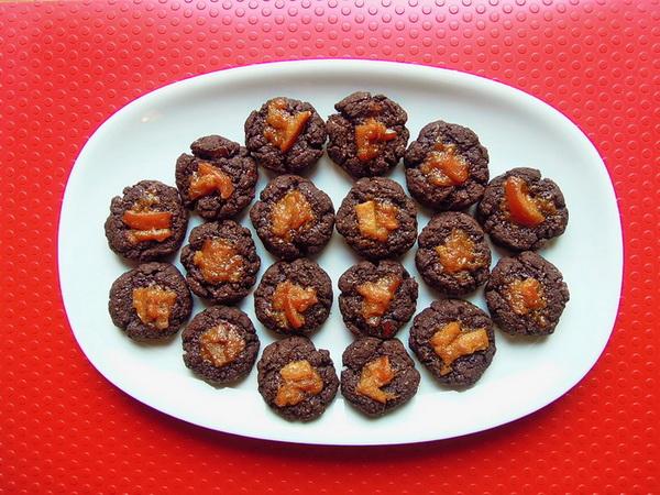 biscottini-cacao-e-marmellata-darancia-600x450